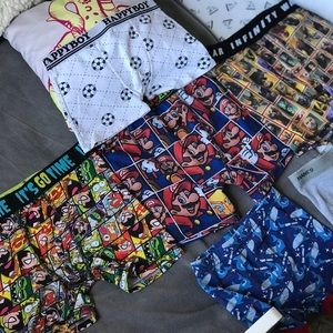 """Lot"" boys Boxer briefs sizes vary"